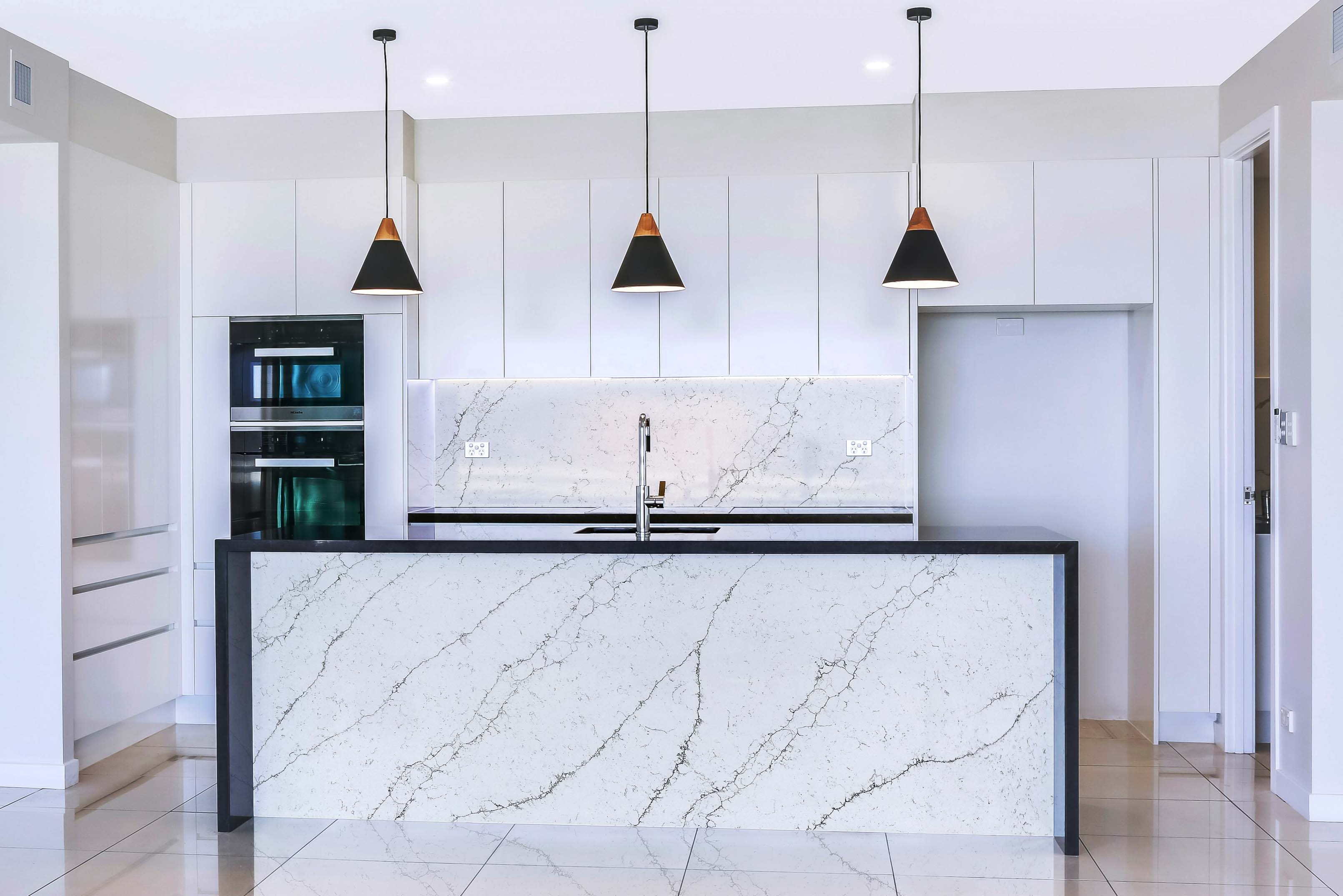 veined-backsplash