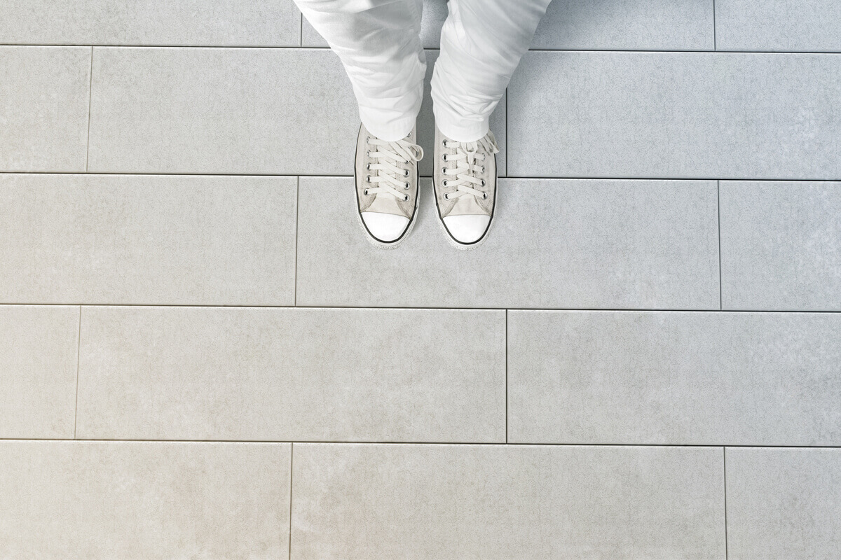 white-converse